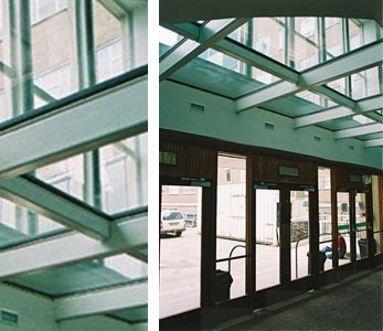 Glass flooring above entrance - Dept of Chemistry Cambridge